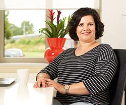 Stephina Kiamoeddin - Consultant